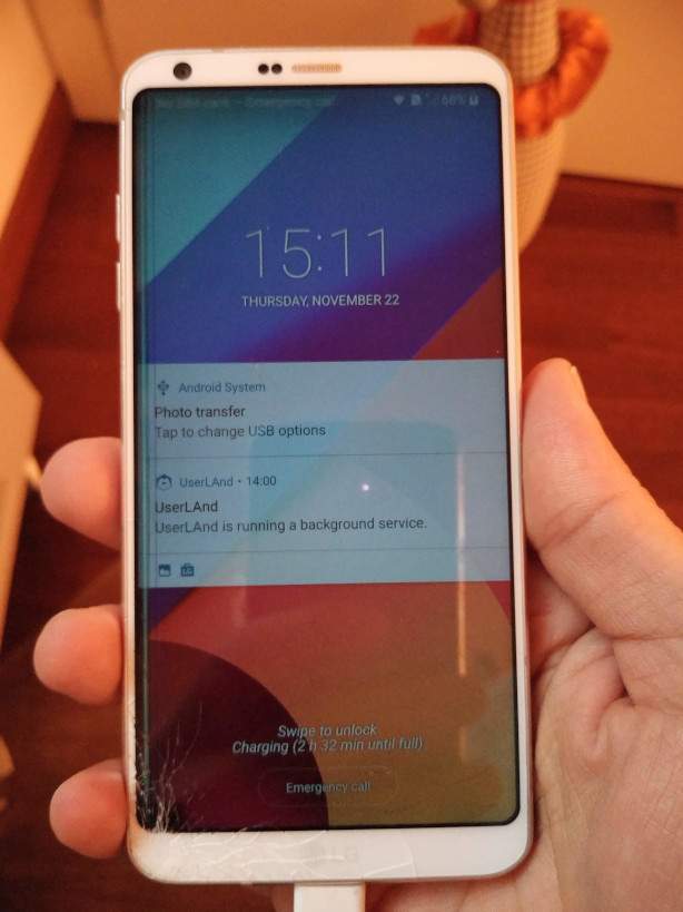 Telefono Android con il display guasto